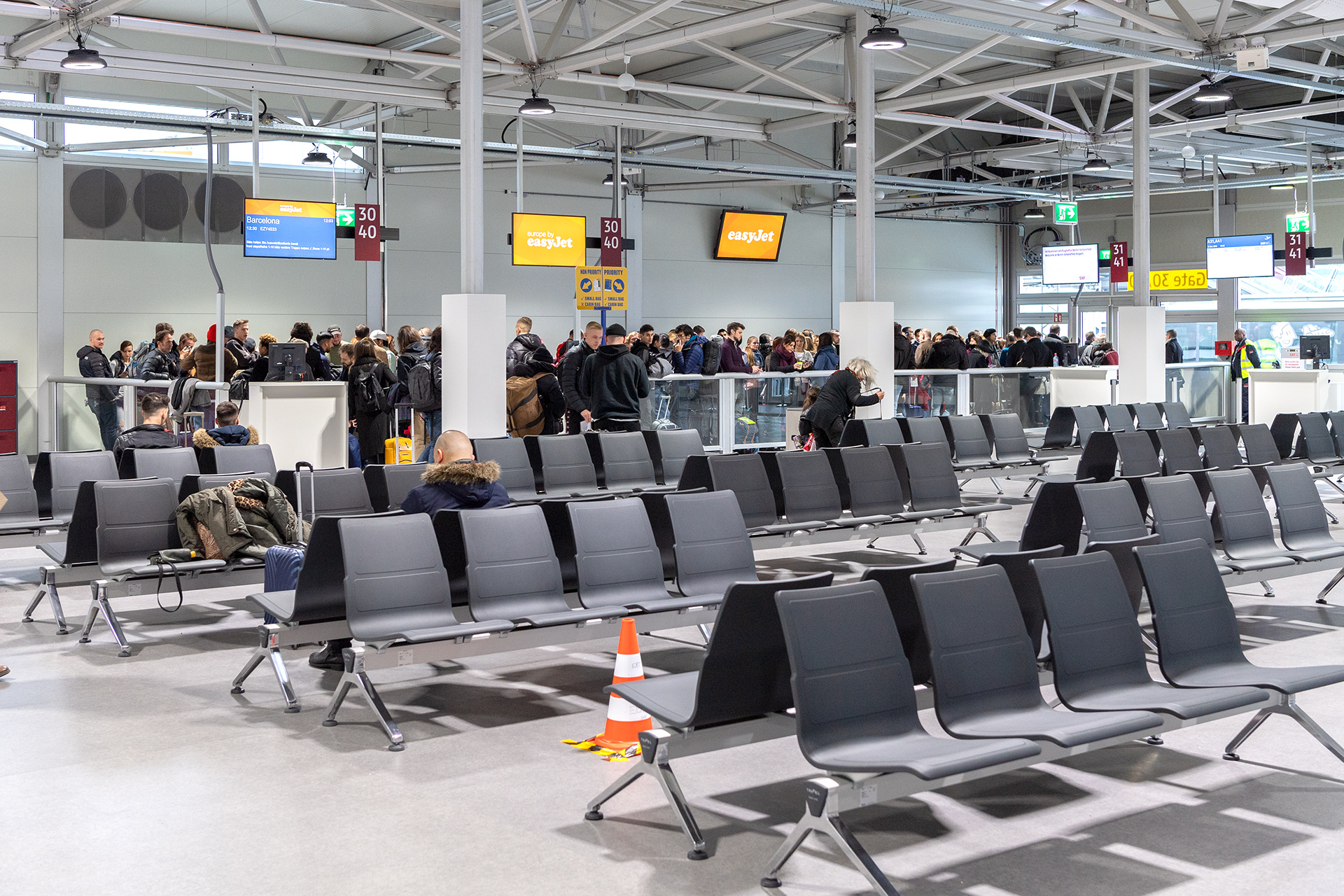 temporary terminal completed at berlin sch nefeld airport. Black Bedroom Furniture Sets. Home Design Ideas