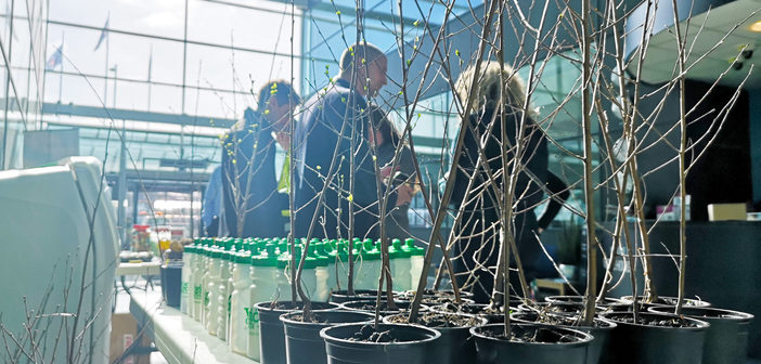 London Stansted launches Biodiversity Week with staff and community tree giveaway